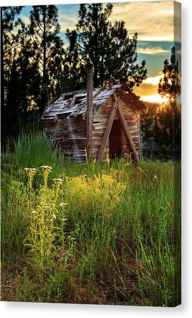 Old Cabin At Sunset Canvas Print