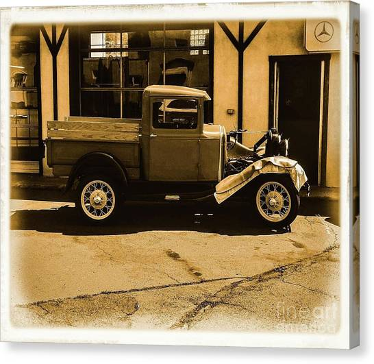 Old Classic Shop Canvas Print