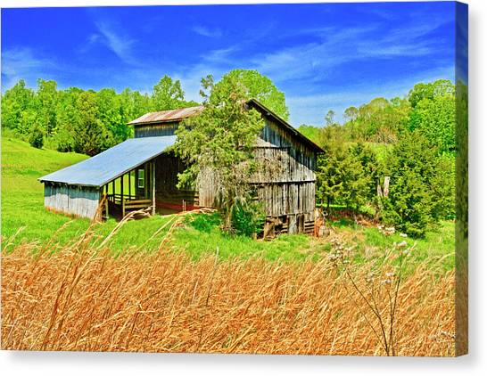 Old Country Barn Canvas Print
