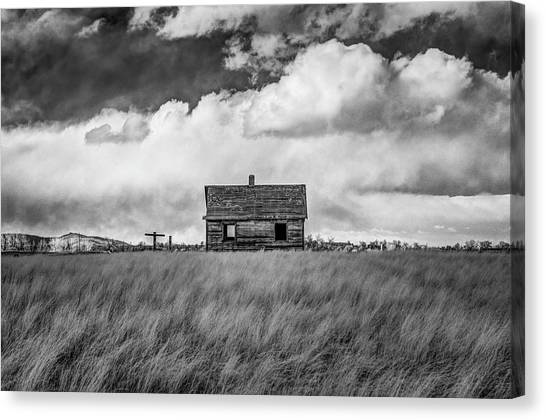 Old Farmhouse Canvas Print by G Wigler