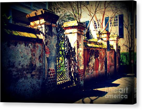 Old Iron Gate In Charleston Sc Canvas Print