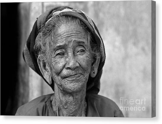 Old Vietnamese Woman Canvas Print