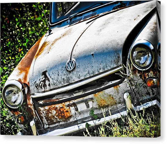 Old Vw Canvas Print by Kathy Jennings