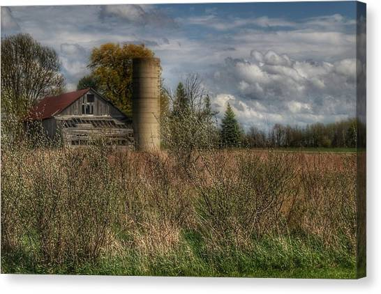 0034 - Old Wooden Barn And Silo Canvas Print