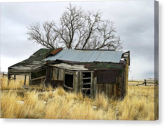 Old Wyoming Farmhouse Canvas Print