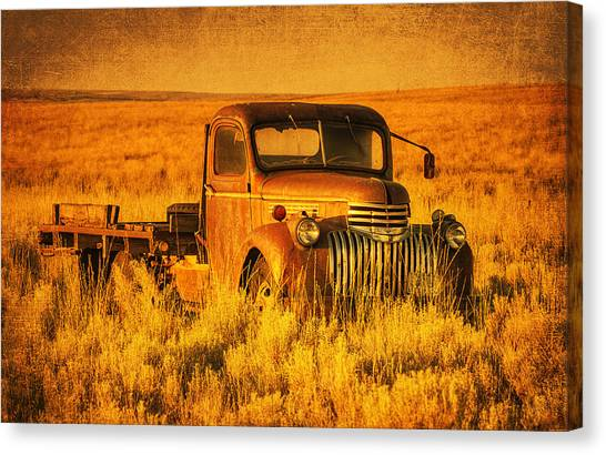 Vintage Chevrolet Truck Canvas Print - Oldtimer by Mark Kiver