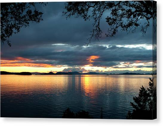 Canvas Print featuring the photograph Orcas Island Sunset by Lorraine Devon Wilke