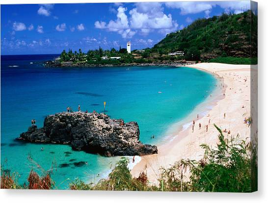 Overview Of Waimea Bay On The North Shore, Waimea, United States Of America Canvas Print by Ann Cecil