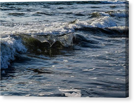 Pacific Waves Canvas Print