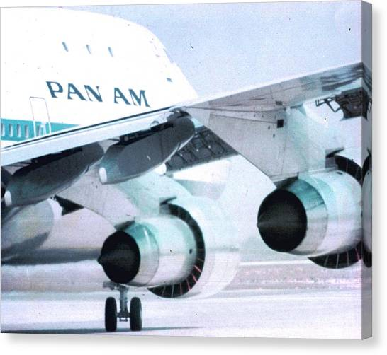 Pan Am 747 At Los Angeles International Airport Canvas Print