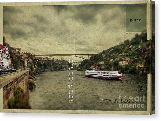 panorama of the Douro river, Dom Luiz Bridge of  Porto, Portugal Canvas Print