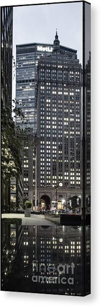 Canvas Print featuring the photograph Park Avenue Met Life Nyc by Juergen Held