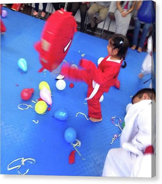 Taekwondo Canvas Print - #pau #diadelniño En #mdkviveros by Abraham Sorkin