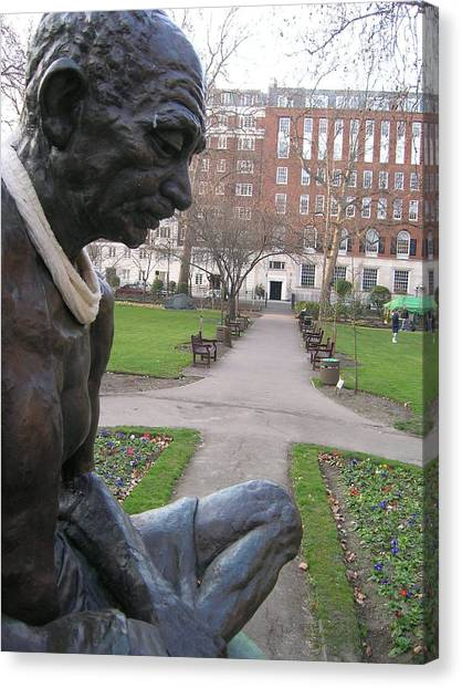 Peace In Tavistock Square Canvas Print by Jonathan Kotinek