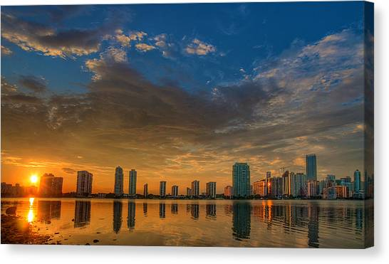 Perfect Sunset Canvas Print by William Wetmore