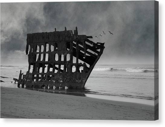 Peter Iredale Canvas Print - Peter Iredale Shipwreck At Oregon Coast by Art Spectrum