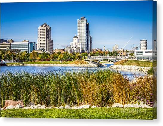 Northwestern University Canvas Print - Picture Of Milwaukee Skyline And Lakeshore State Park by Paul Velgos
