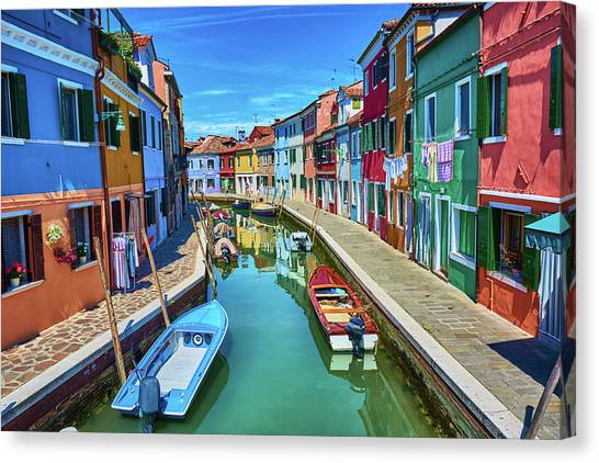 Picturesque Buildings And Boats In Burano Canvas Print