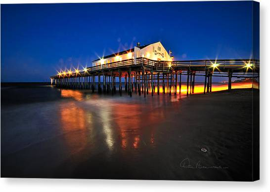 Pier Jewels 7884 Canvas Print