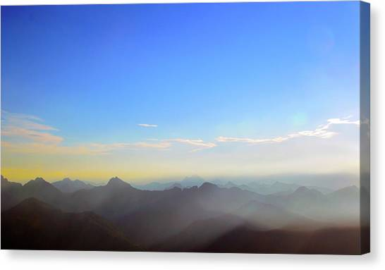 Pilchuck And Three Sisters Sunrise Canvas Print