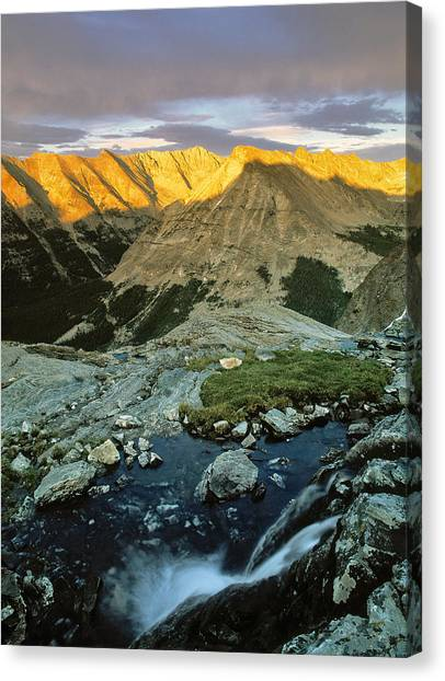 Pioneer Mountains Canvas Print by Leland D Howard