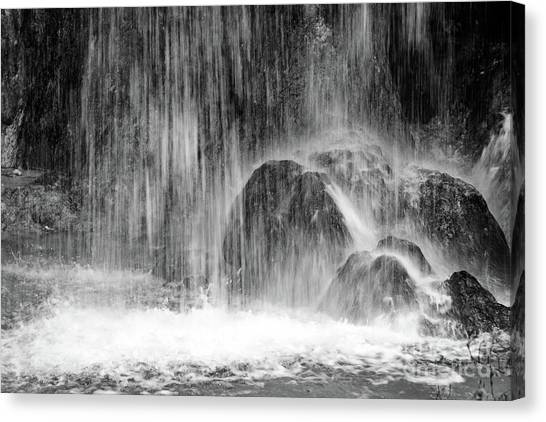 Plitvice Waterfall Black And White Closeup - Plitivice Lakes National Park, Croatia Canvas Print