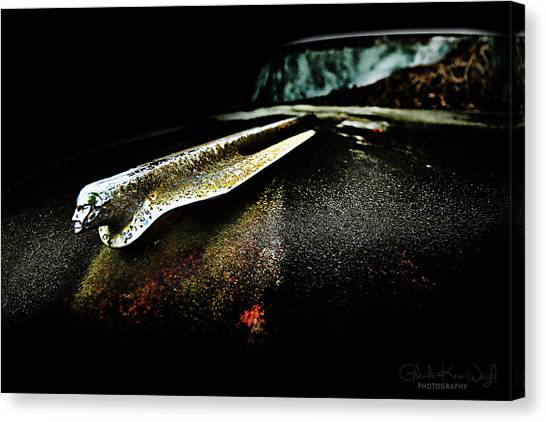 Canvas Print featuring the photograph Pontiac Emblem by Glenda Wright