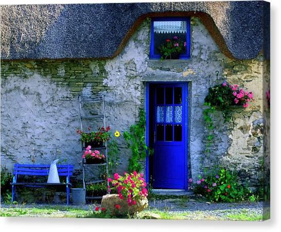 Porte Bleue Canvas Print