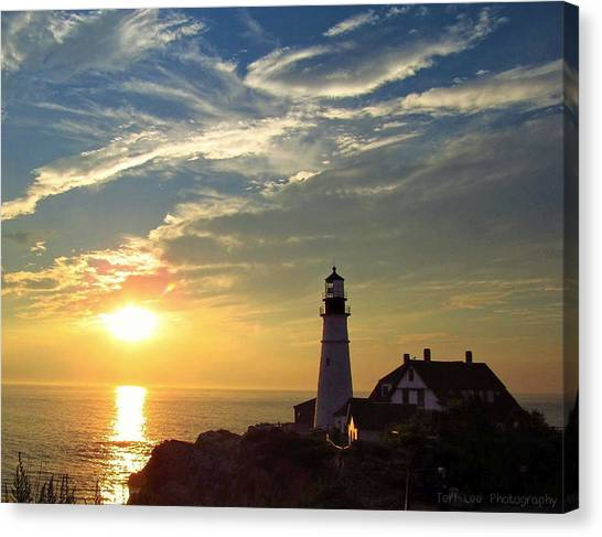 Portland Headlight Sunbeam Canvas Print
