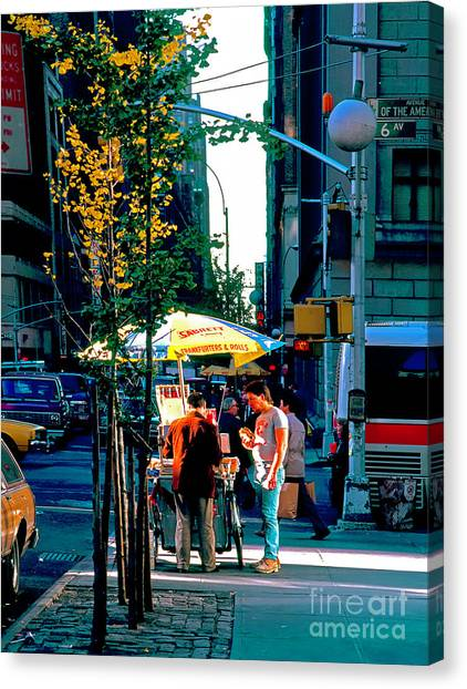 Hot Dog Stand Nyc Late Afternoon Ik Canvas Print