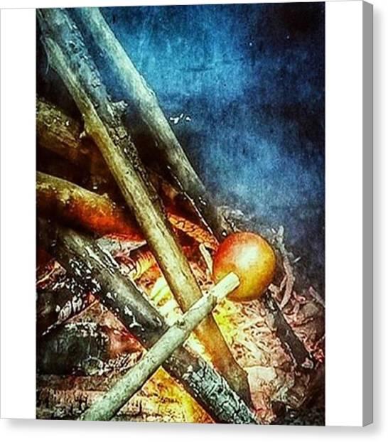 Portal Canvas Print - Prim #onedeluge #apples #to #apples by Jason Hillman