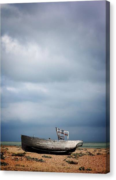Projekt Desolate Shoreline  Canvas Print by Stuart Ellesmere