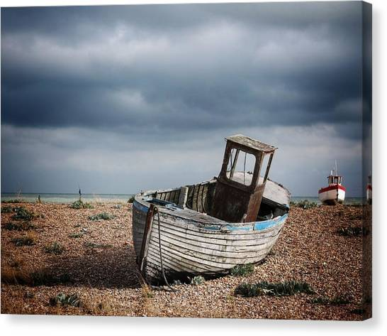 Projekt Desolate The Chase Canvas Print by Stuart Ellesmere