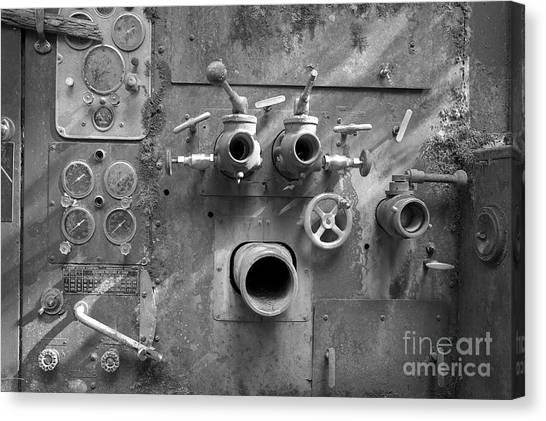 Pumper Panel Canvas Print by Arni Katz