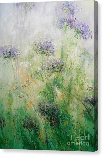 Queen Ann's Lace Canvas Print