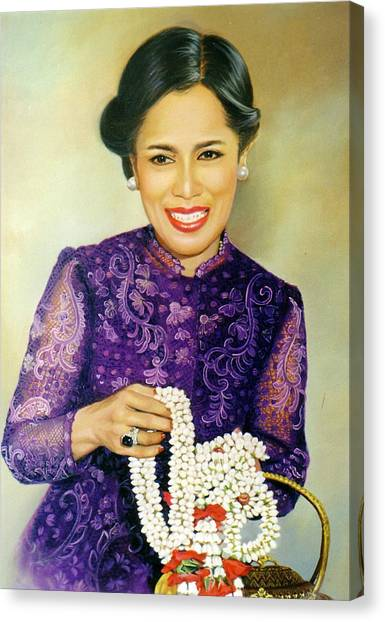 Queen Sirikit2 Canvas Print by Chonkhet Phanwichien