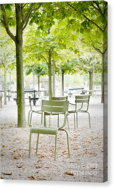 Quiet Moment At Jardin Luxembourg Canvas Print