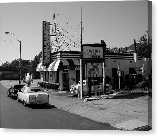 Canvas Print featuring the photograph Raifords Disco Memphis B Bw by Mark Czerniec