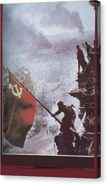 Raising The Soviet Flag  On The Reichstag Building Berlin Germany May 1945 Canvas Print