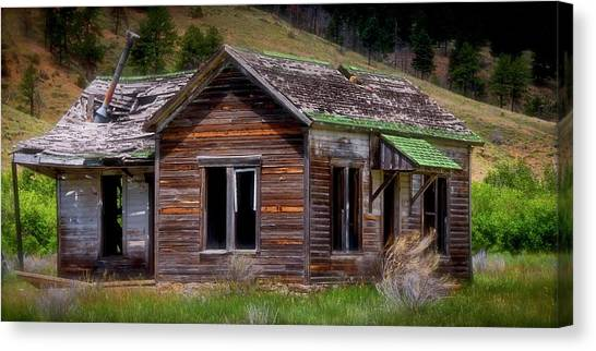 Ranch House From The Past Canvas Print