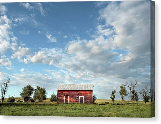Red Barn On The Prairie Canvas Print