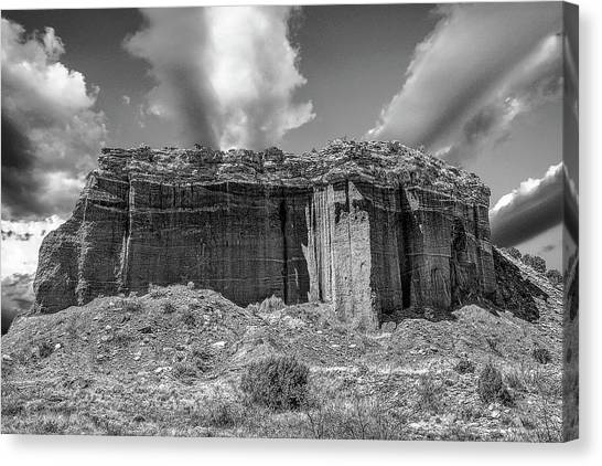 Red Rock Bw Canvas Print