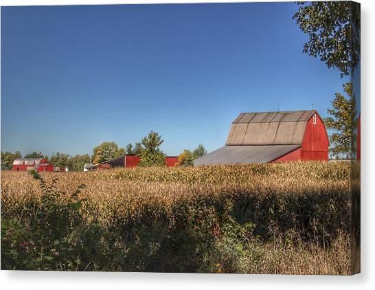 0042 - Red Saltbox Barn Canvas Print