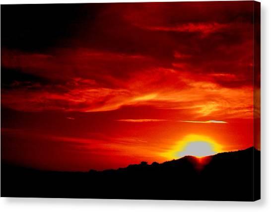 Red Skys Tonight Canvas Print by Douglas Kriezel