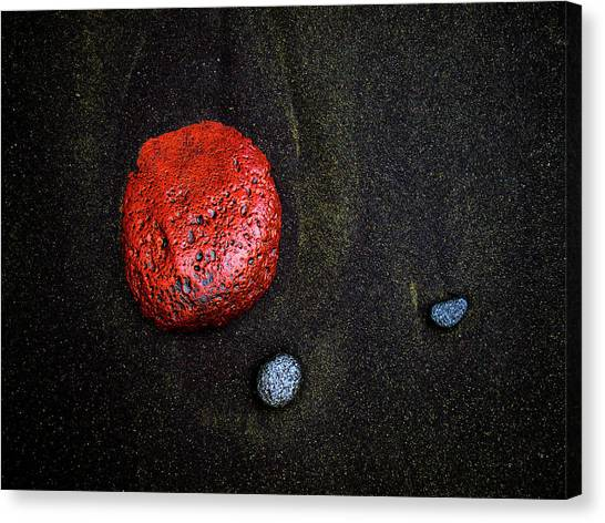 Black Sand Canvas Print - Red Stone At Pololu Valley by Christopher Johnson
