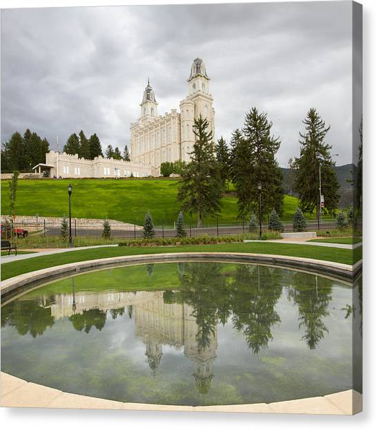 Reflections Of The Manti Temple At Pioneer Heritage Gardens Canvas Print