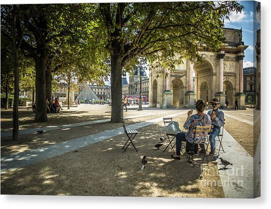 Relaxing Afternoon In Paris Canvas Print