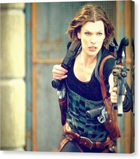 Canvas Print - Resident Evil Afterlife 👌✨ by Resident Evil