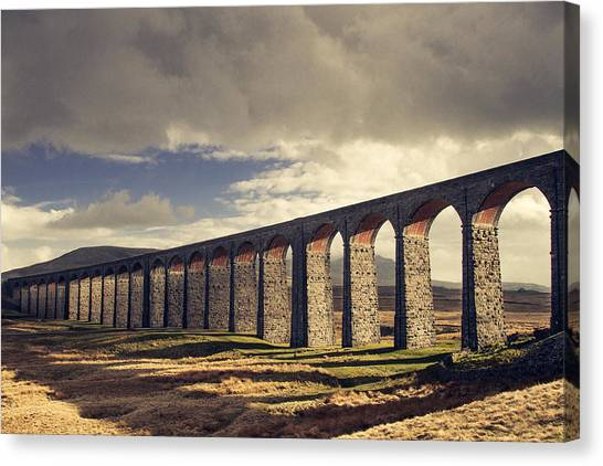 Ribblehead Canvas Print by Chris Dale