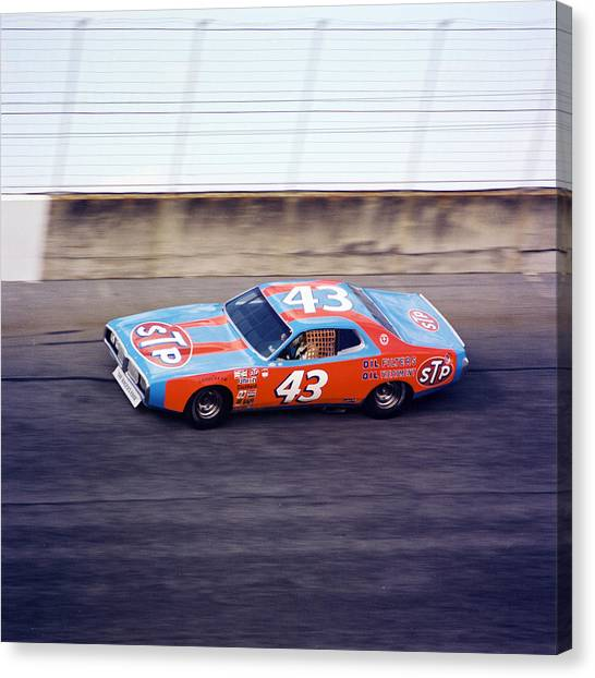 Daytona 500 Canvas Print - Richard Petty 1977 Daytona 500 by David Bryant